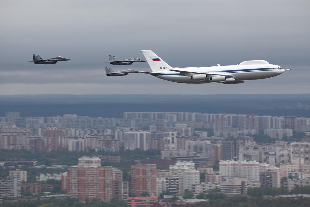 ilyushin_il-80_over_moscow_6_may_2010.jpg