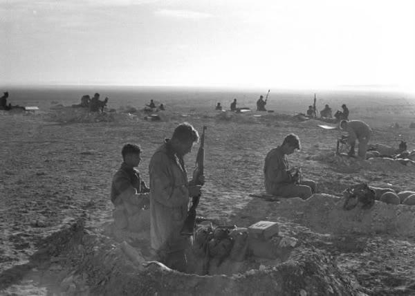 israeli_troops_in_sinai_war.jpg