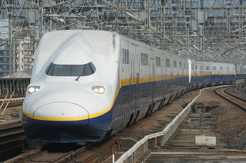 jr_east_shinkansen_e4.jpg
