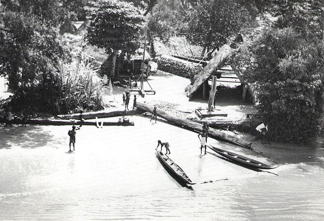 maroon_village_suriname_river_1955.jpg