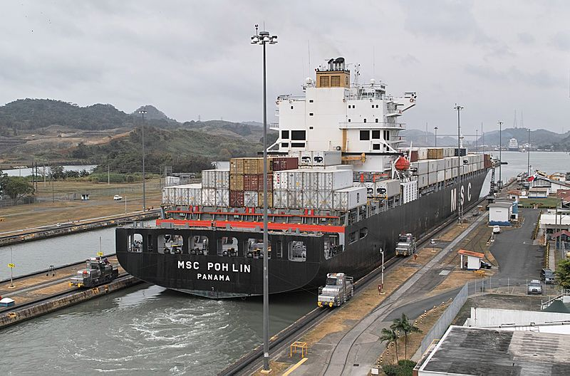 panamax_ship_exiting_the_miraflores_locks.jpg