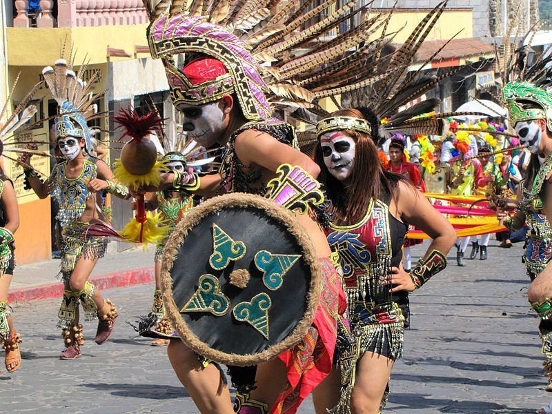 procesion_prehispanica_del_dia_de_muertos.JPG