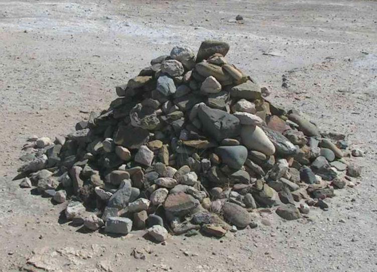rock_pile_robben_island_prison.jpg