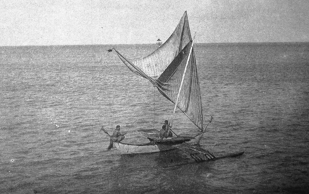 sailing_canoe_brailed_on_starboard_tack_jaliut_lagoon_marshall_islands_1899-1900.jpg