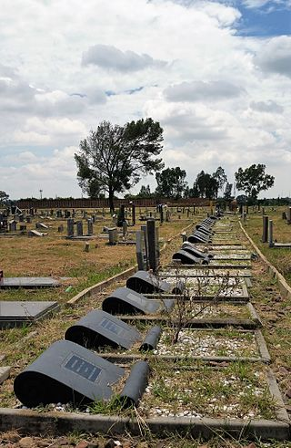sharpeville_massacre_graves_phelindaba_cemetery_sharpeville_vereenegining_south_africa.jpg