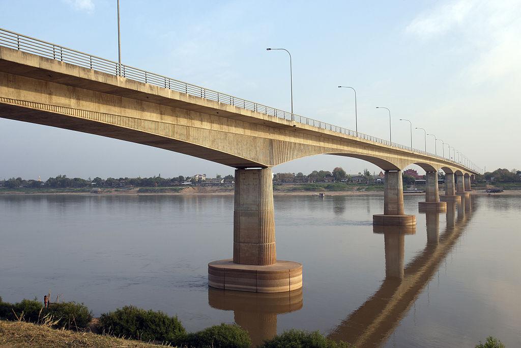 thai-lao_friendship_bridge_10729268664.jpg