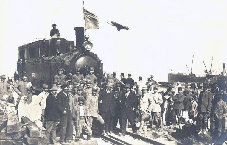 the_first_locomotive_arrived_in_tripoli_harbor.jpg