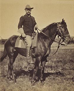 tr_on_horseback_back_from_cuba_1898.jpg