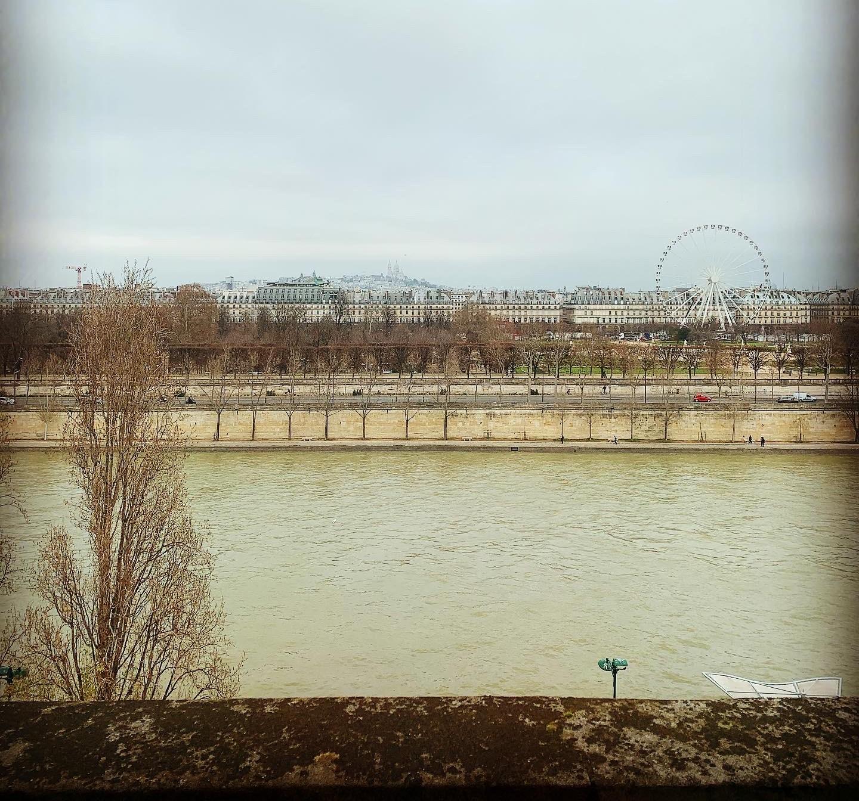 Szabadnap Párizsban: sztrájk és tavirózsák