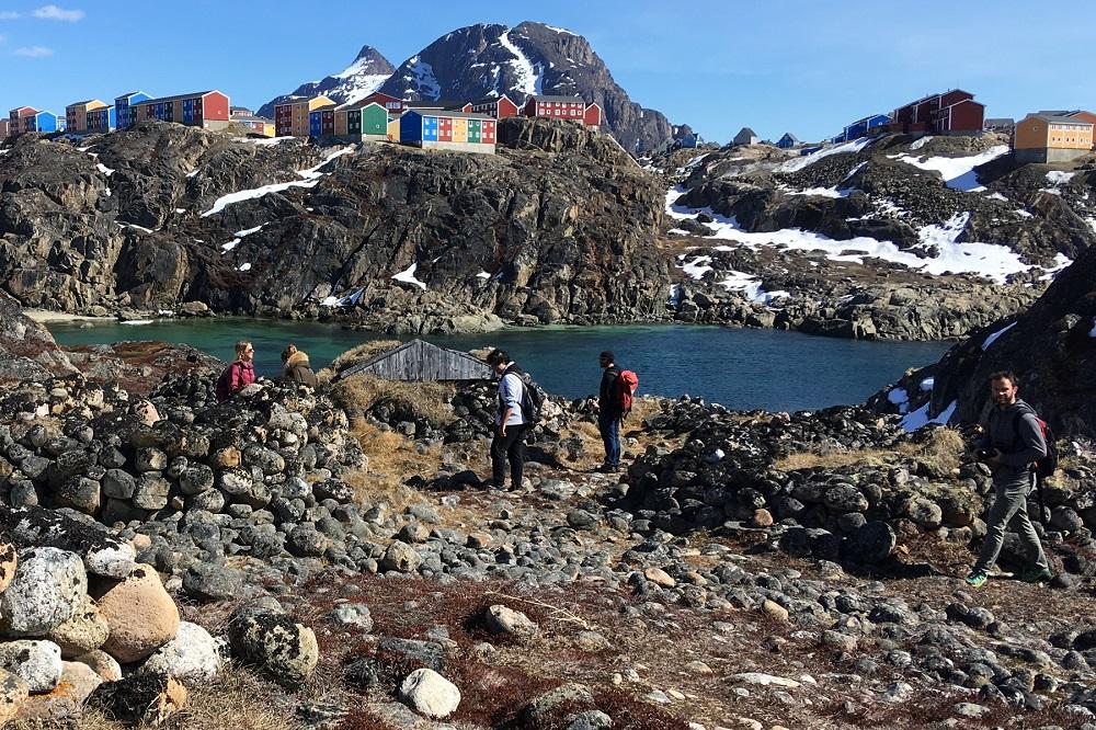 Vernakularitás múltja és jelene Grönlandon – kőkupactól az internetig