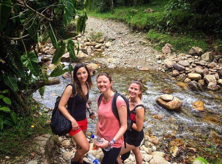 Medellín: nappal egyetem, este salsa tanulás