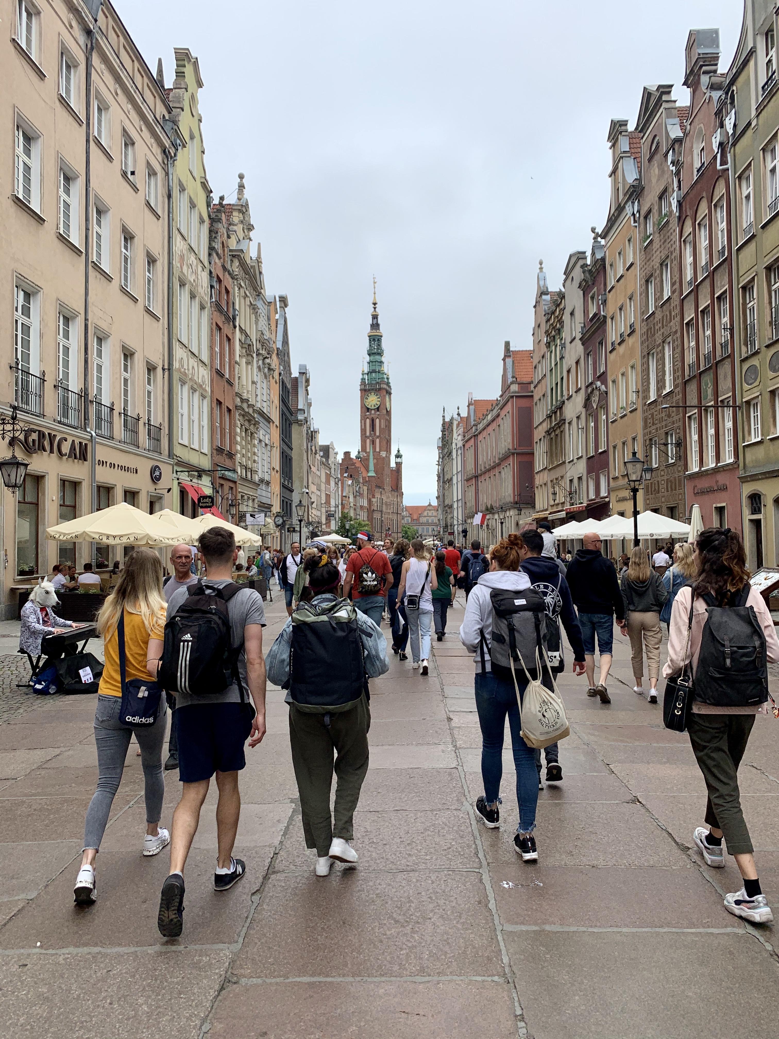 Kiszakadni otthonról, kiszakadni Varsóból