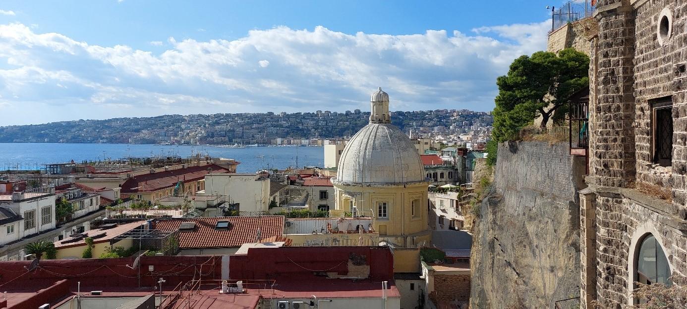 A hibrid oktatás sajátosságai és kalandozás Dél-Olaszországban