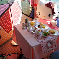 Having breakfast with Hello Kitty in Tokyo, Japan