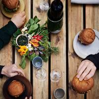 Nem láttad jönni: hamburgerező lett a világ legjobb étterméből