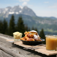 Kaiserschmarrn - the authentic recipe from Tyrol and a very healthy version