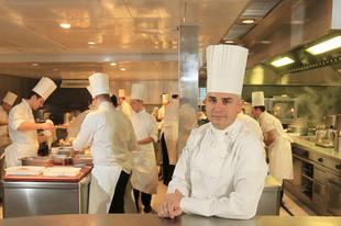 Öngyilkos lett a világelső étterem mindössze 44 éves séfje