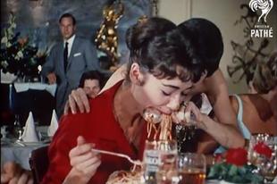 Gasztroidőutazás: csimpánzzal étterembe, spagettizabálás és radarral főzés