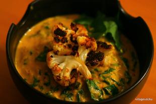 JÁTÉK és recept: sült karfiol curry kókusztejjel, spenóttal, medvehagymával