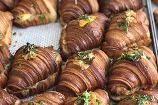 A croissant magasiskolája ott, ahol soha nem számítottál volna rá