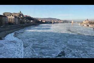 Hipnotikus jégzajlás a Dunán! (videó)