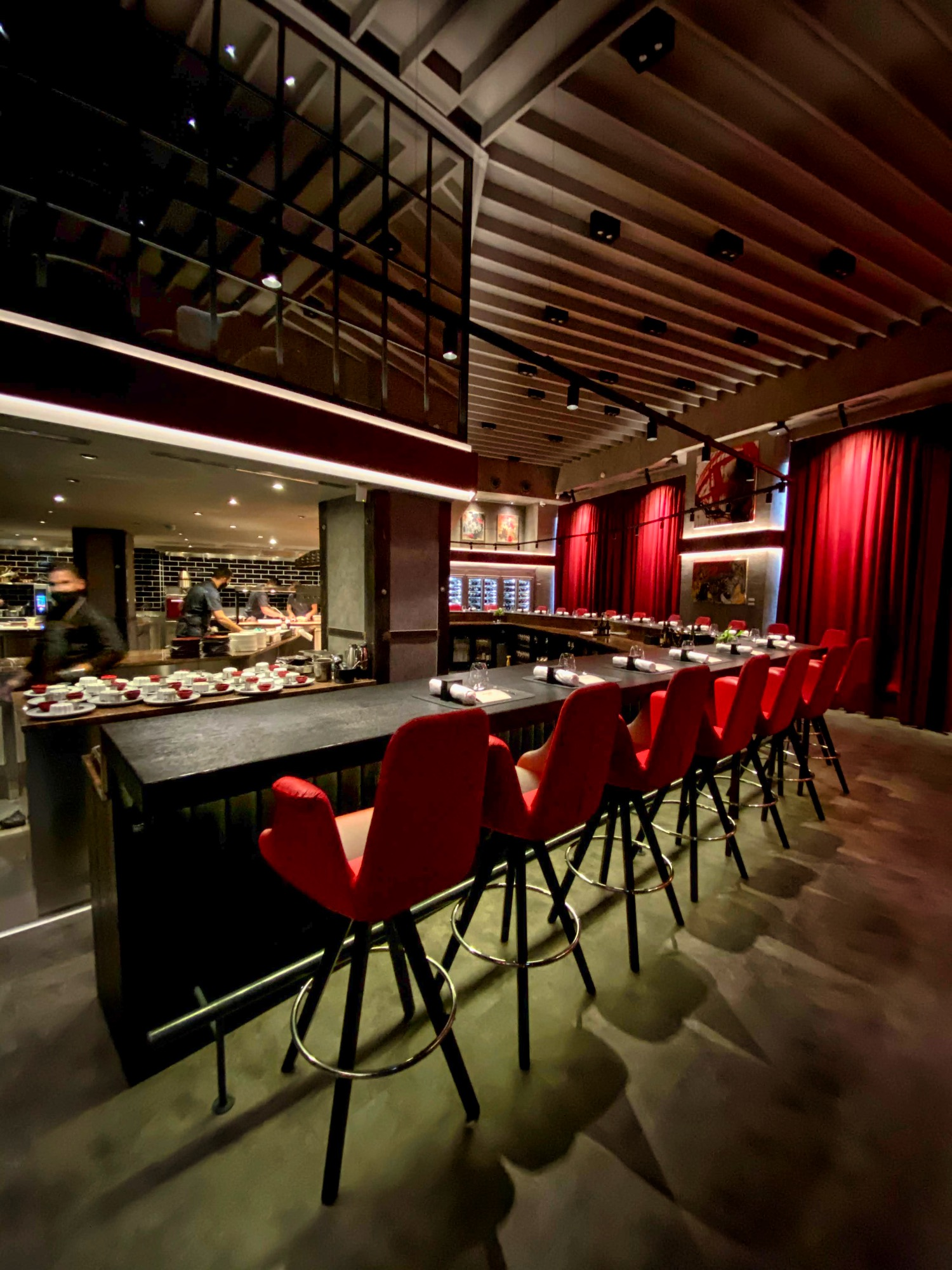 img_8444_rumour_racz_jeno_budapest_restaurant_jokuti_vilagevo_l_f.jpeg