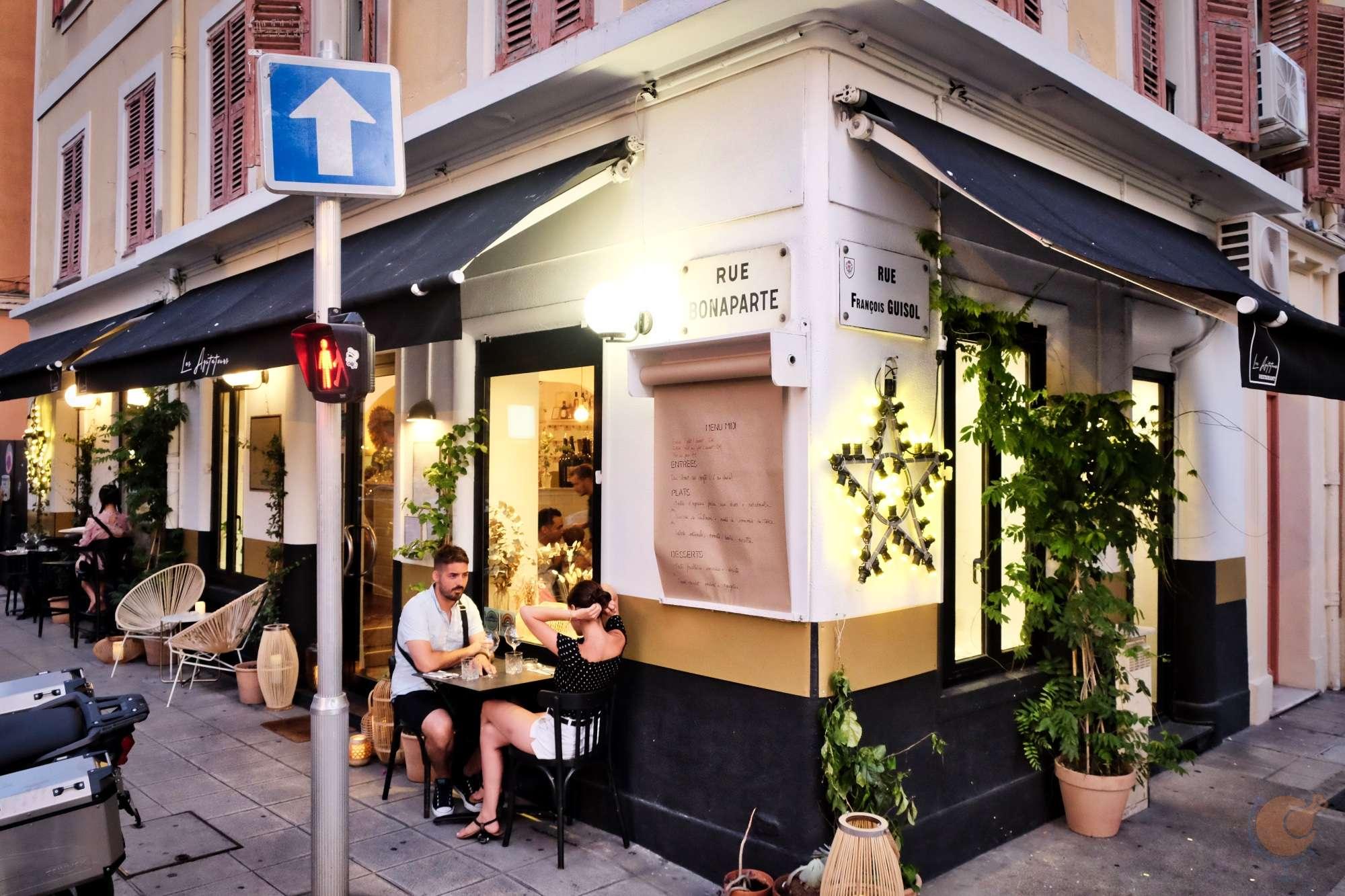 dscf1397_les_agitateurs_restaurant_france_nice_nizza_vilagevo_jokuti_andras_l_w.jpg