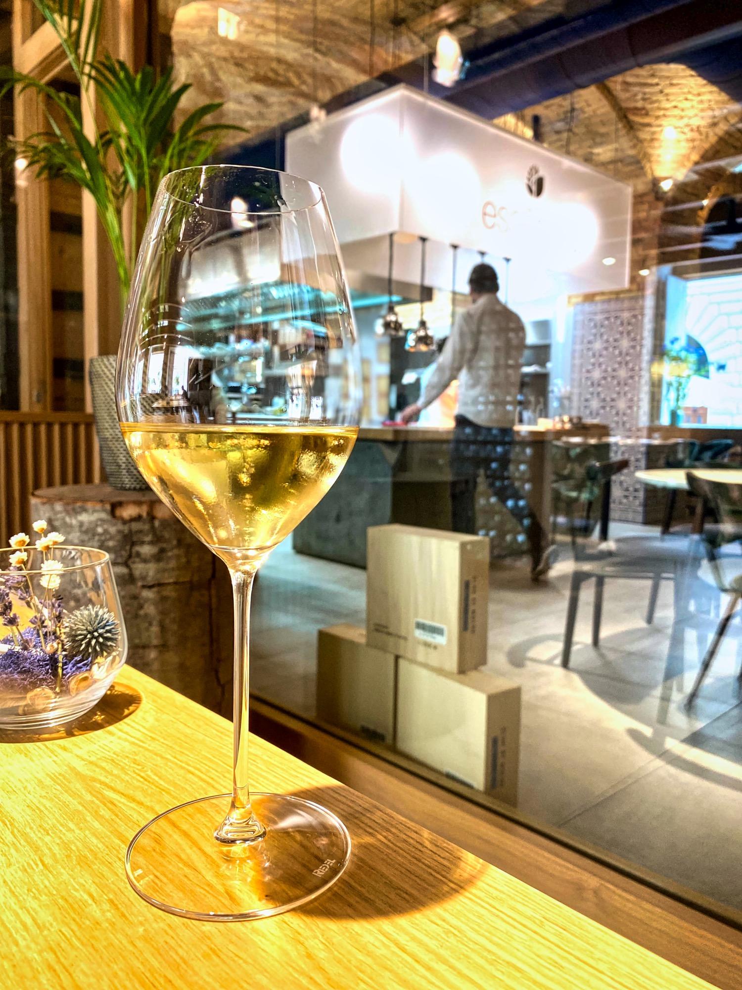img_5974_essencia_tiago_michelin_budapest_restaurant_jokuti_vilagevo.jpeg
