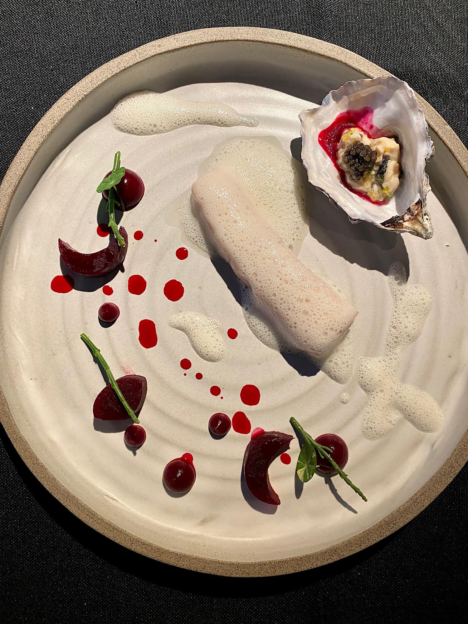 img_1943_uncensored_caviar_bull_restaurant_budapest_jokuti_vilagevo.jpg