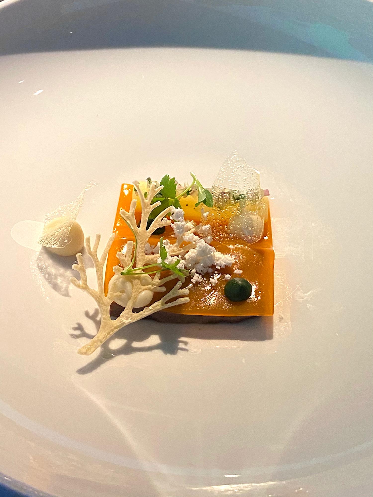img_1947_uncensored_caviar_bull_restaurant_budapest_jokuti_vilagevo.jpg