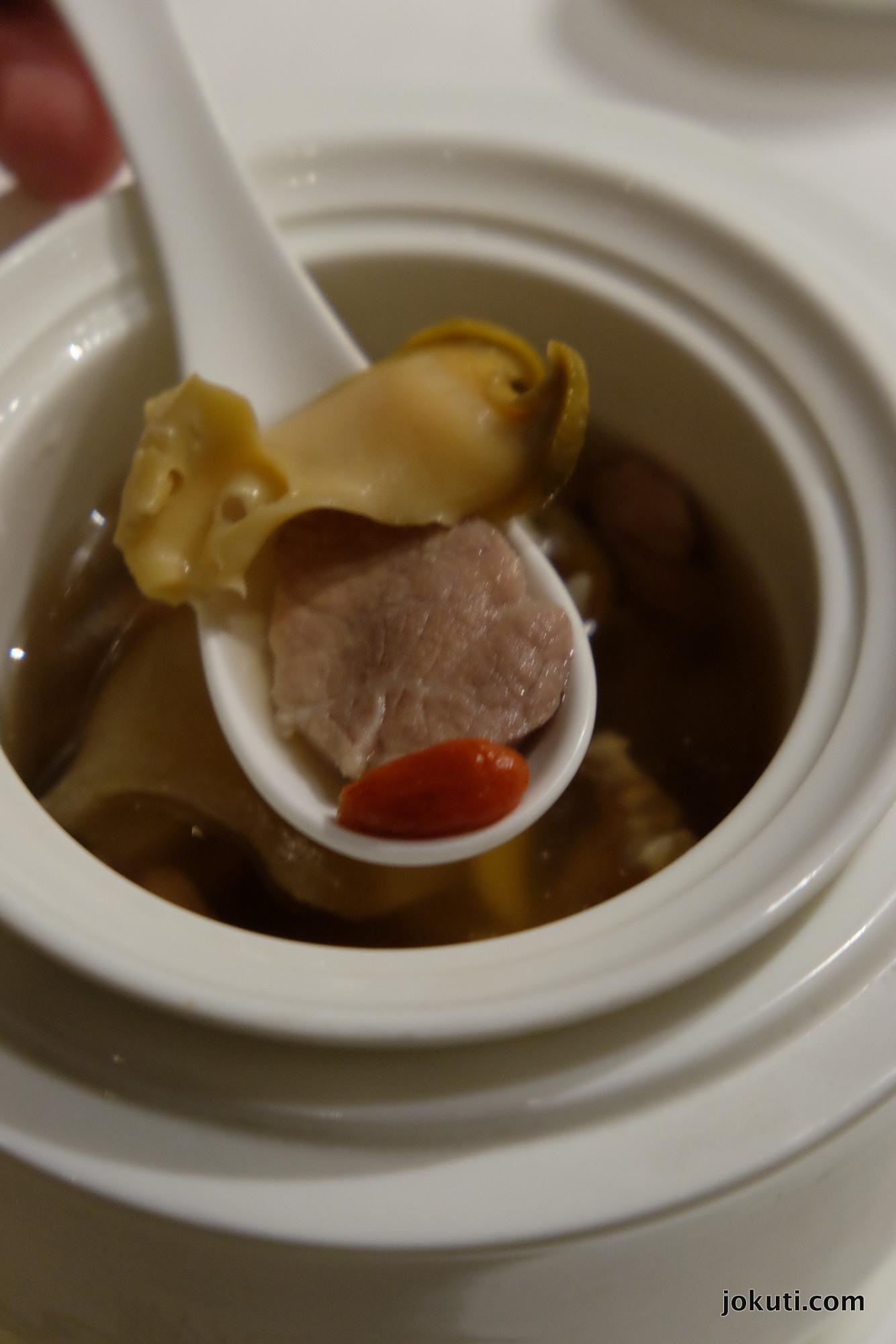 dscf6852_jade_dragon_restaurant_cantonese_chinese_michelin_macau_makao_china_kinai_vilagevo_jokuti.jpg