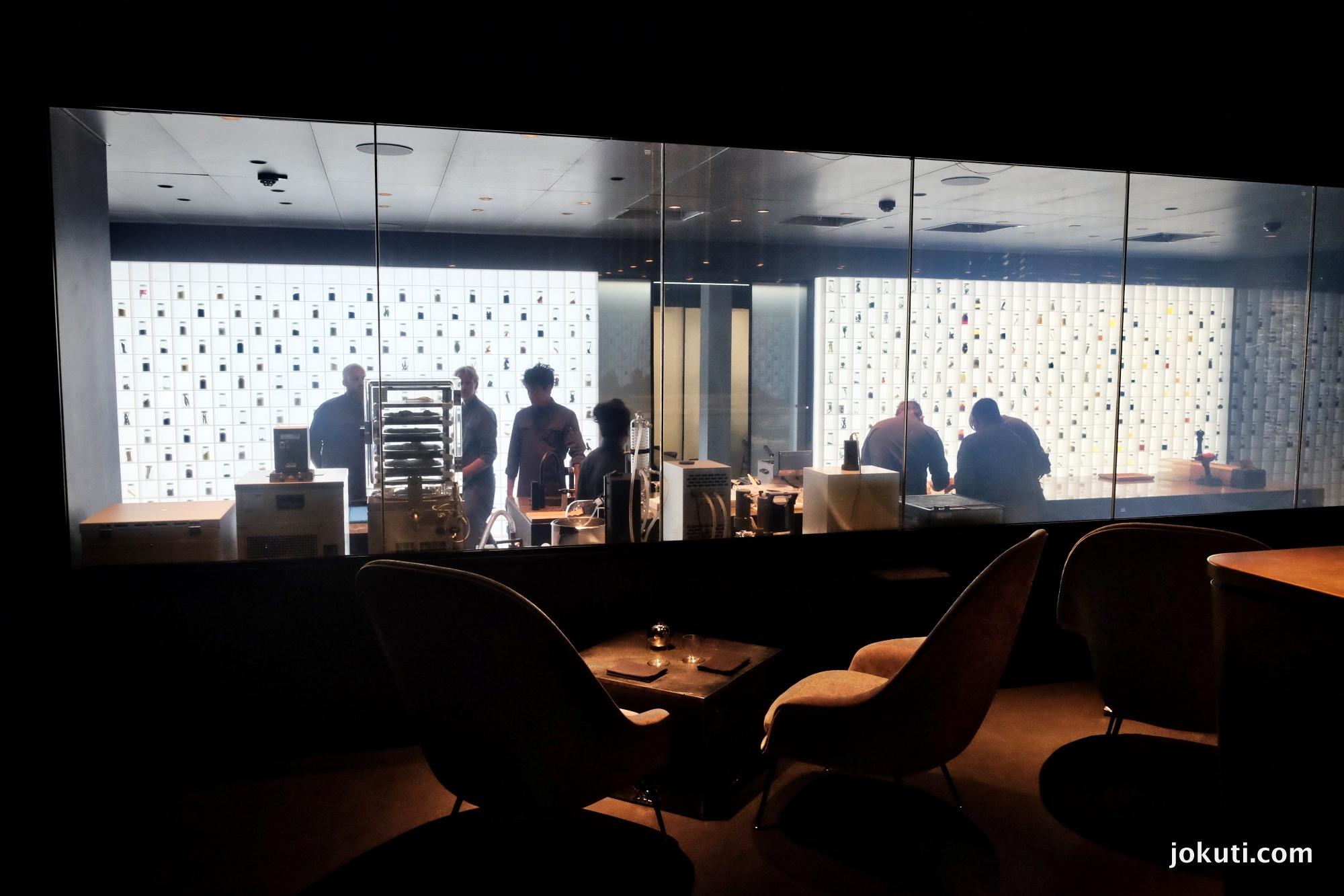 dscf7168_alchemist_copenhagen_rasmus_munk_holistic_dining_restaurant_denmark_vilagevo_jokuti_andras_l.jpg
