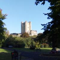 Ivanhoe vidéke - Conisbrough középkori temploma és várkastélya