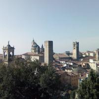 Campanone - azaz toronymagasan Bergamo felett