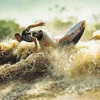 Hullámlovaglás az Amazonason