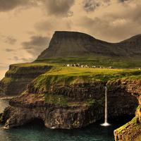 Gásadalur falu Feröer szigetén