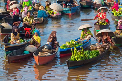 Banjarmasin úszó piaca.jpg
