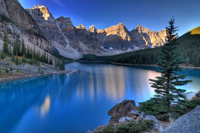 Valley of the Ten Peaks.jpg
