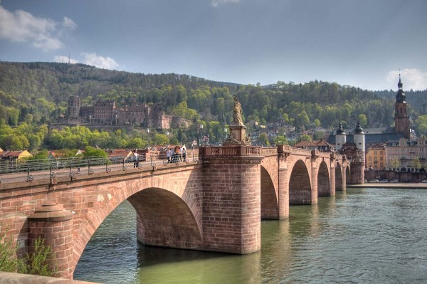Karl Theodor Bridge.jpg