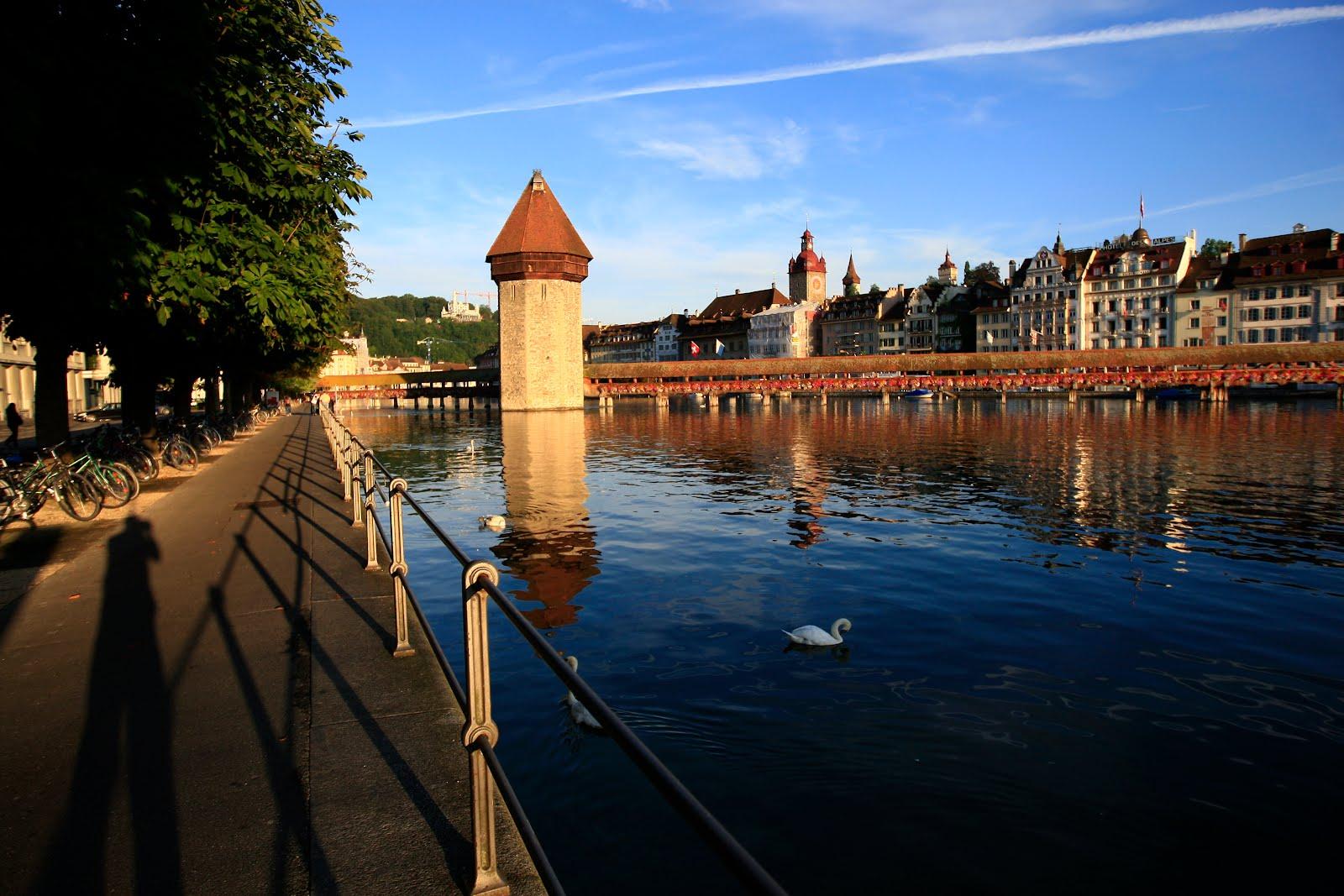 Luzern a virágos fahíd.JPG