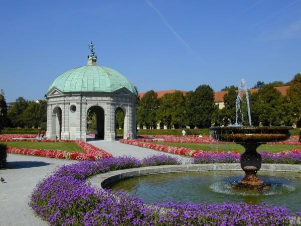 Diana temploma  Hofgarten.jpg