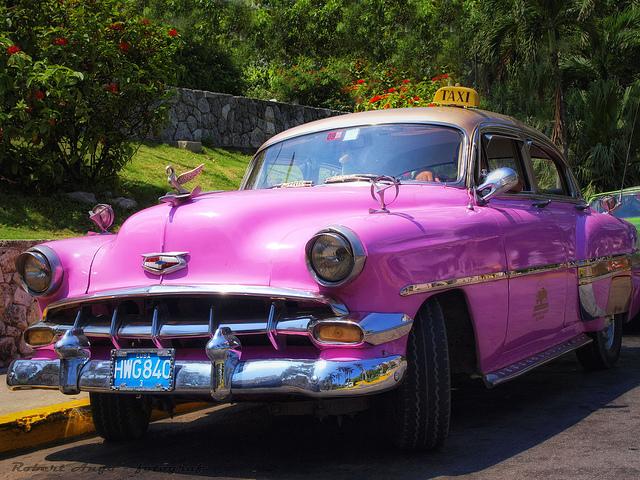 Cuba oldtimer taxi.jpg