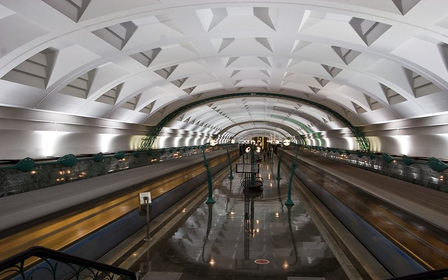 Slavyansky Bulvar_Moszkva metro2.jpg