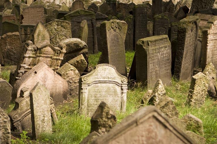 Régi zsidó temető Prága.jpg