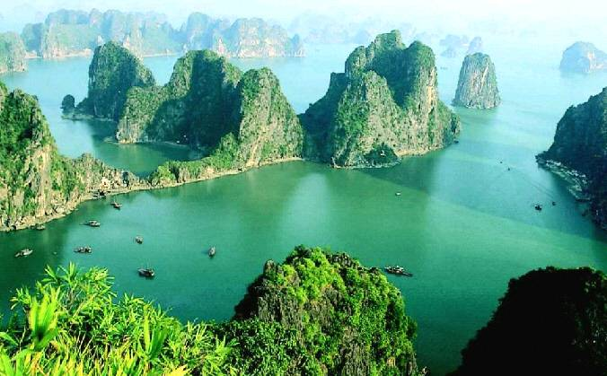 Vinh Ha Long bay.jpg