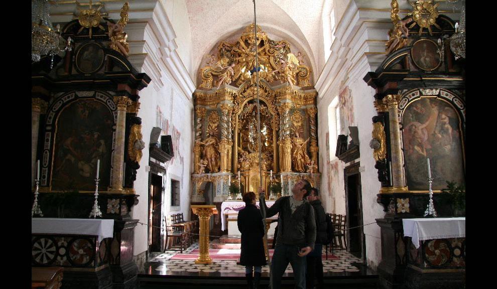 Mária mennybemenetele templom belső.jpg