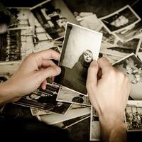 Rejtett boldogtalanságunk tükrében
