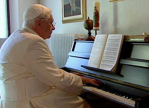 2016-05-29-ratzinger-zongora.jpg