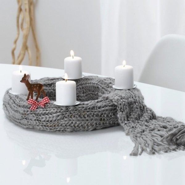 diy-advent-wreath-ideas-simple-design-knitted-scarf-white-candles.jpg