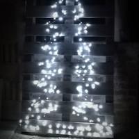 Karácsonyfa készítése fényfüzérből